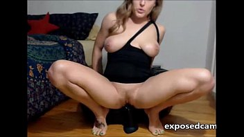 Amateur Cammer Dildos & Squirts