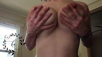 mom with big tits POV