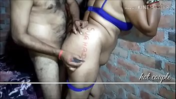 hot desi bhabhi in yallow saree peticoat and blue bra panty fucking hard leaked mms