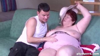 Couch surfing turns into couch fucking with this BBW thumbnail