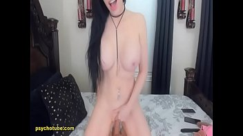 Full-bosomed Lady Show Off And Fetch A Lusty Pleasure Live