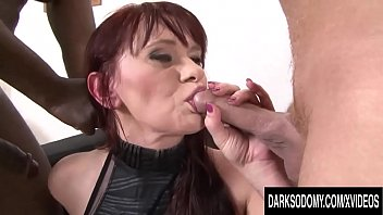 Dark and discolored vaginal lips Double anal session for vera delight