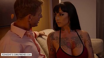 Tonights Girlfriend Jessie Lee lets fan take control