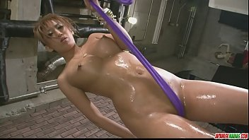 Stunning babe in tight and sexy bikini stripping off and teasing - More at javhd.net 8分钟