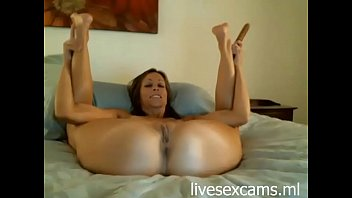 Amateur milf likes to play with dildo's - http://livesexcams.ml