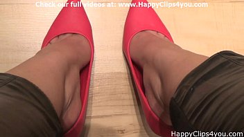 Naomi red high heels dipping video