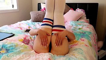 BLONDE JESSIE LEE PIERCE DANCING FOR YOU IN HER BEDROOM BIG TITS BIG ASS TWERK BOOTY BOUNCING pmv thigh high socks