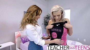 Blonde student fuck - Hot threeway fuck for teacher and student