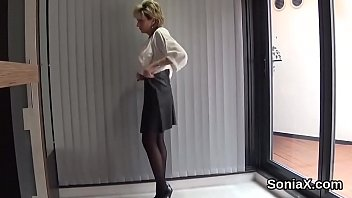Cheating english milf lady sonia displays her massive hooters