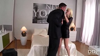 Busty Luxury Milf Gets Day Fucked And Pearl Necklaced!