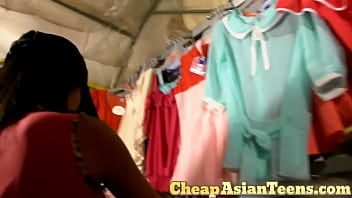 Picking up and getting blowjob from Cambodian girl - CheapAsianTeens.com