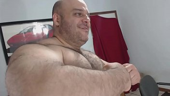 Photos of gay bears Bullmusclejoe showing off