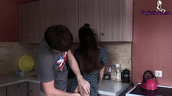 Streaming Video Husband Sensual Fucking and Pussy Eating Instead of Lunch - XLXX.video