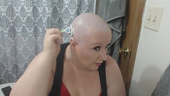 Sexy Mature  Submissive Camgirl TheSweetSav Shaving Her Head Smooth