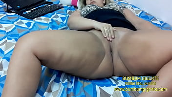 Hot babe masturbating without shame - Giant Ass sitting hot - Access to WhatsApp and Content: www.bumbumgigante.com - Participate in my Videos -
