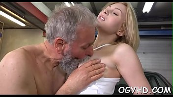 Free old guy young girl sex - Olf fart bonks face hole of a young gal