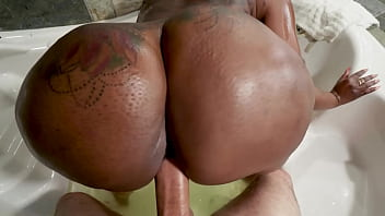 Black milf with a huge ass fucks a white dick