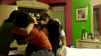 4 best friends kissing ! - full video http://zipansion.com/46uzf