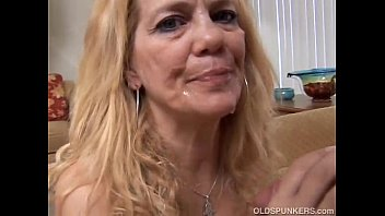 Beautiful mature blonde - Beautiful mature blonde loves to fuck