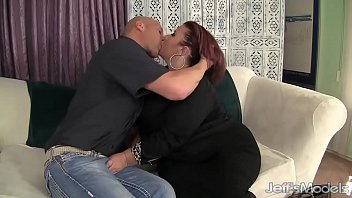 The sex lady Pretty plumper lady lynn is fucked in her pussy before making the guy jack off i