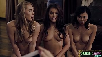 Babe Enjoys Squirting In Lesbian Foursome