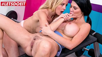 KINKY INLAWS - #Sicilia Model #Jasmine Jae - MILF Mom Lesbian Sex With Stepdaughter After Failed Attempt From Her Husband