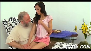 Nice-looking young gal fucked by old lad Vorschaubild