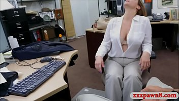 Foxy woman sells her stuff and drilled by pawn keeper