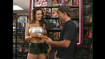Brunette bombshell Taylor St. Claire came to the XXX movies shop to get personal tuition 16分钟