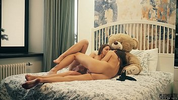 2 Lesbians college roommates have sex in front of teddy bear with a strapon dildo and receives cumshot in mouth. This is free preview trailler from Plushies TV starring Eve S and Rebeka Ruby and plush toy teddy bear Brownie with big black cock缩略图