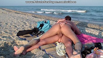 Amateur oral sex and high energy pussy fuck on the beach