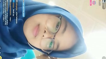 Video bokep hijab sange live colmek full w6bagmd
