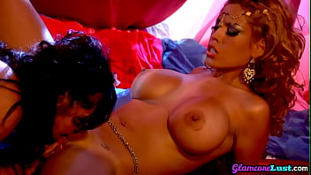 Busty glamour lesbians kissing and pussylicking
