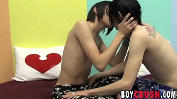 Emo twinks Miles Pride and Roxy Red anal fuck and kiss