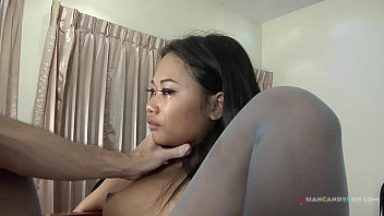 Asian hip pop - Small girl gets the pump and dump