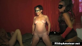 A teen with her aunt, two small bodies to break through in a home orgy