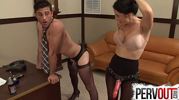 Strap on fucking cross dresser - Naughty secretary pegs her boss