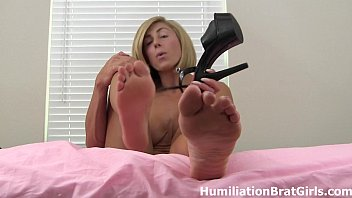 Goddess Rapture's perfect size 10 feet 29 sec