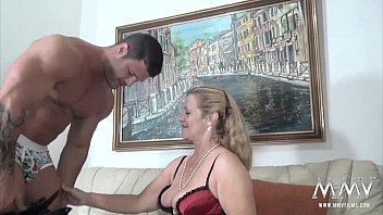 MMV FILMS Sexy Granny tries fresh jock meat 12分钟