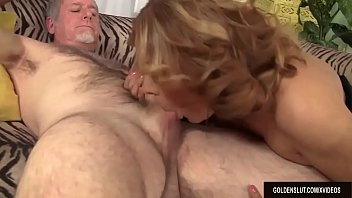 Mature Wildcat Nikki Ferrari Sucks on a Big Cock and Takes It in Her Twat 8 min