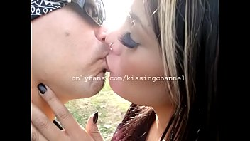 AM Kissing in the Park