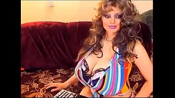 Big tits busty milf-gain 3$ per minute working from home on lavorainwebcam.com