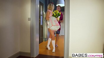 Erotic elegant ladies - Babes - elegant anal - running late starring vinna reed and charlie dean clip