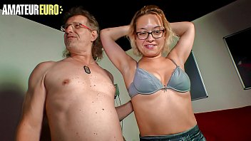 AMATEUR EURO - Real Couple It's Having Sex On Cam For The First Time