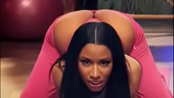 Nicki Minaj Hot Moments without sounds 2