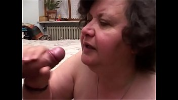 Granny oma sex Grandma puts all her experience into practice