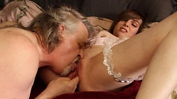 Roxy Squirts In Lee'_s Face During Oral Sex