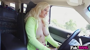 Kylie Page Her Extra Large Rack Bounce 5 min