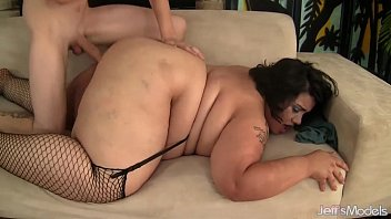 Ssbbw maid eliza allure cleans juan largos cock