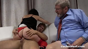 Streaming Video Grandpa Wants to Join - Cuckoldest - XLXX.video